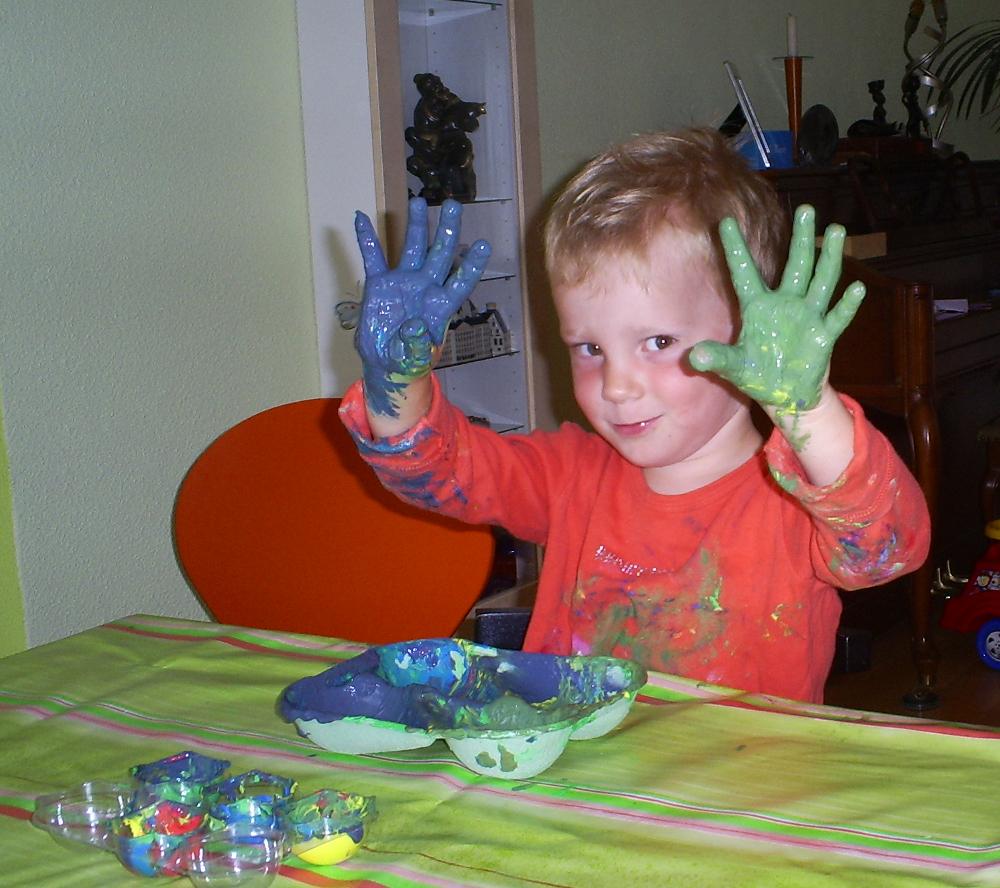 Mijn kinderen waren vroeger dol op knutselen.